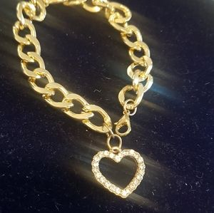 Pretty link- bracelet.